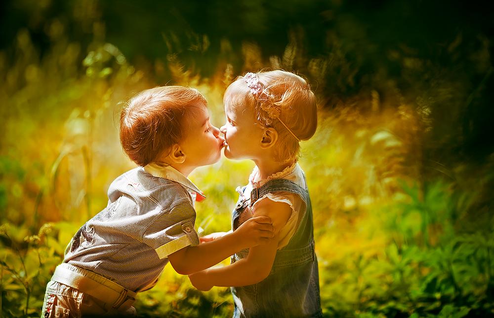 Поцелуи девушек и мальчиков картинки
