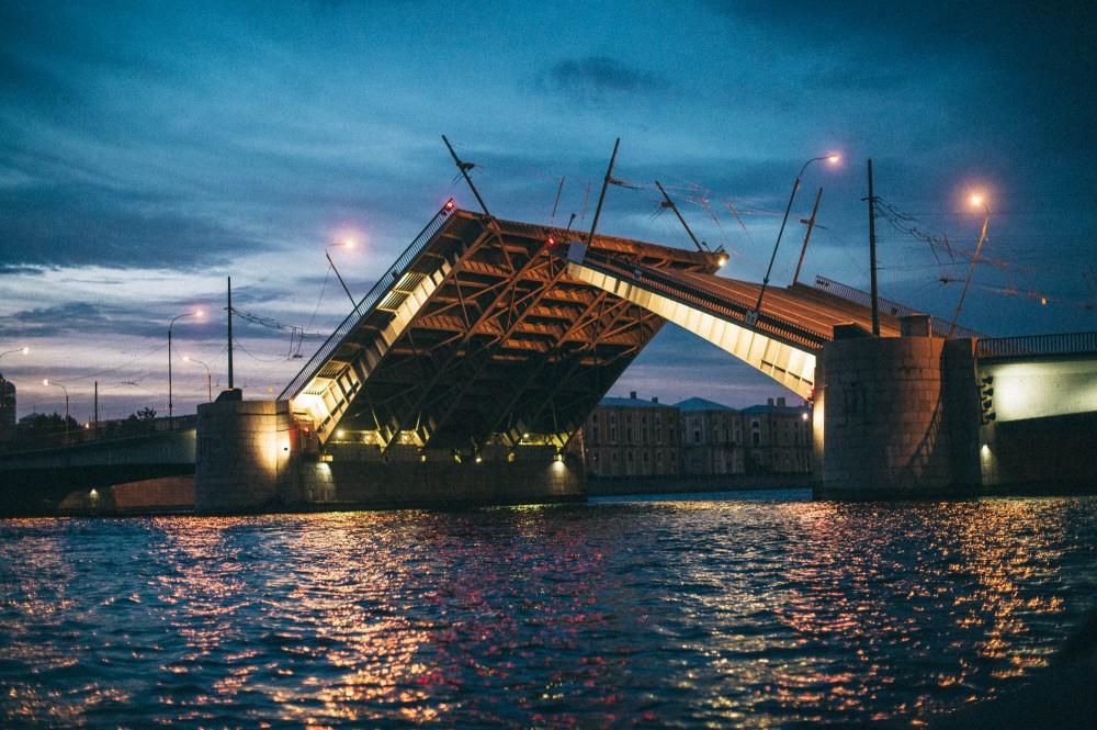 заброшенное фото разведенного моста александра невского мамам самом деле