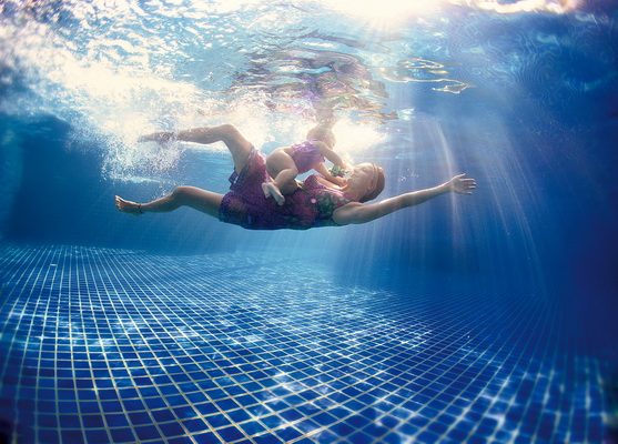 Олеся Углова, фотосъемка мам и детей под водой