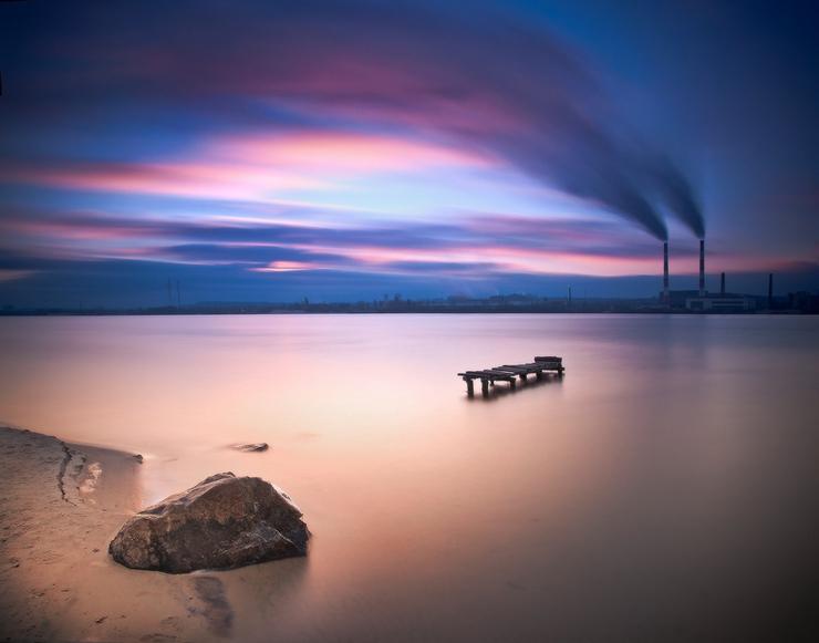 Движение облаков и море. Фото Михаила Мочалова