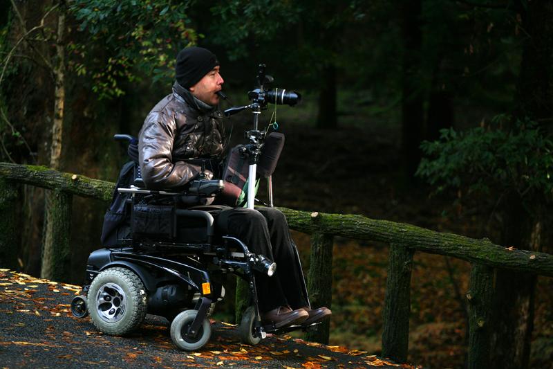 Фотограф в инвалидной коляске