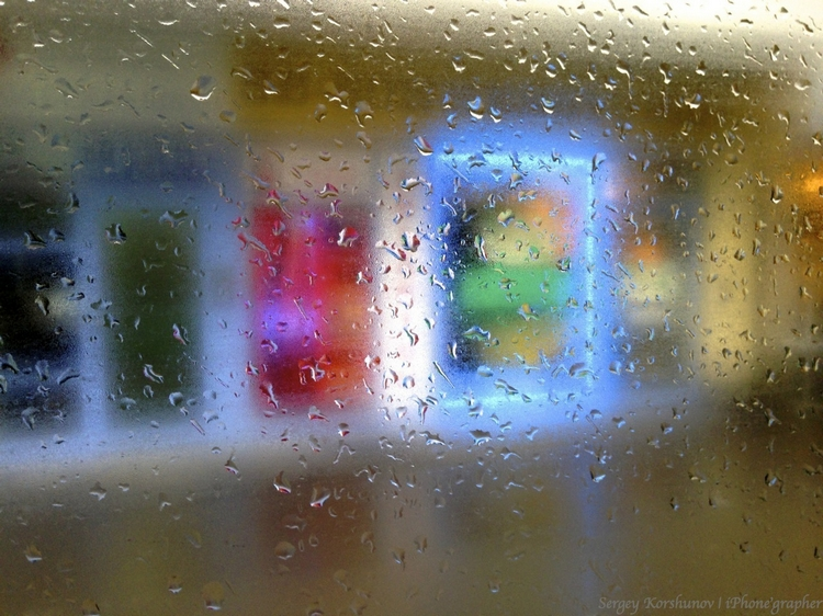 Капли на стекле. Айфонография Сергея Коршунова
