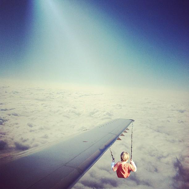 На крылах самолета. Фото Мелиссы Винсент