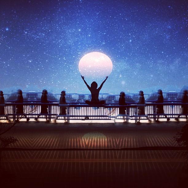 Луна и медитация. Фото Мелиссы Винсент