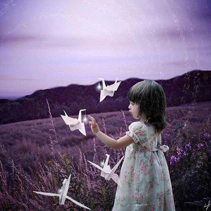Девочка с журавликами-оригами. Digital art на iPhone