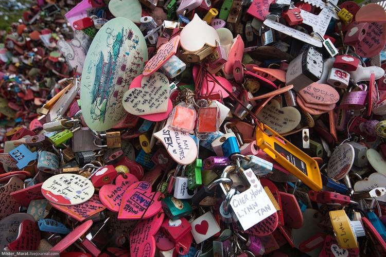 Замки на мостике влюбленных в Сеуле