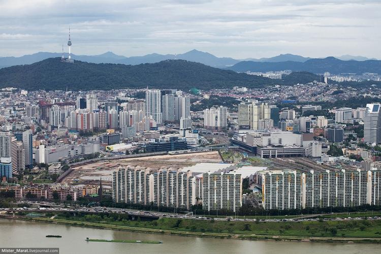 Вид на Сеул и телебашню Намсан