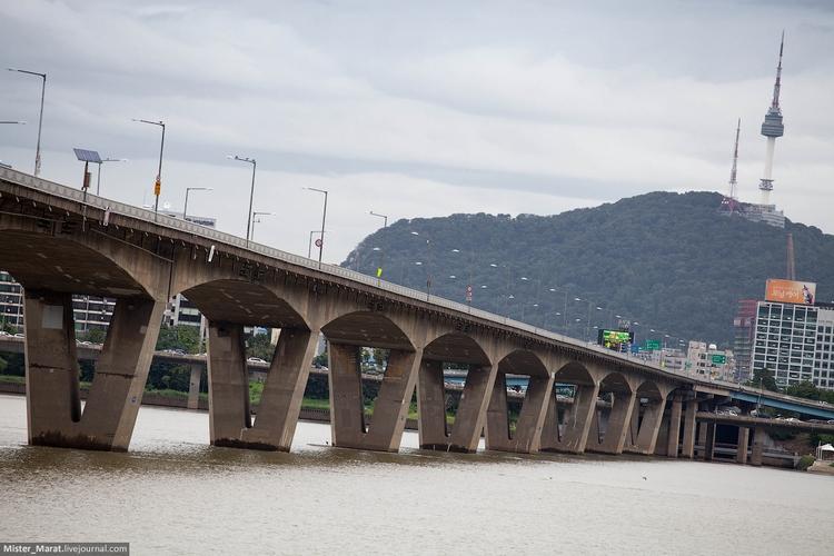 Автомобильный мост Банпо, Сеул