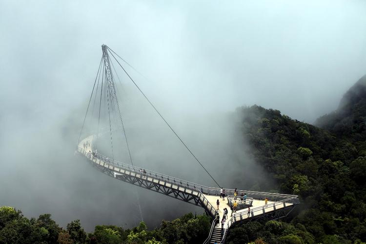 Канатный мост Лангкави, Малайзия. Автор: Charlie Joe