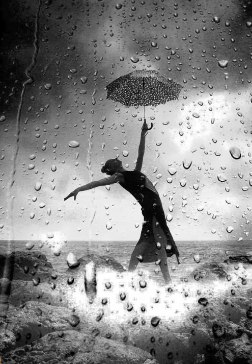 Зонт и капли дождя. Фото: Soli Art