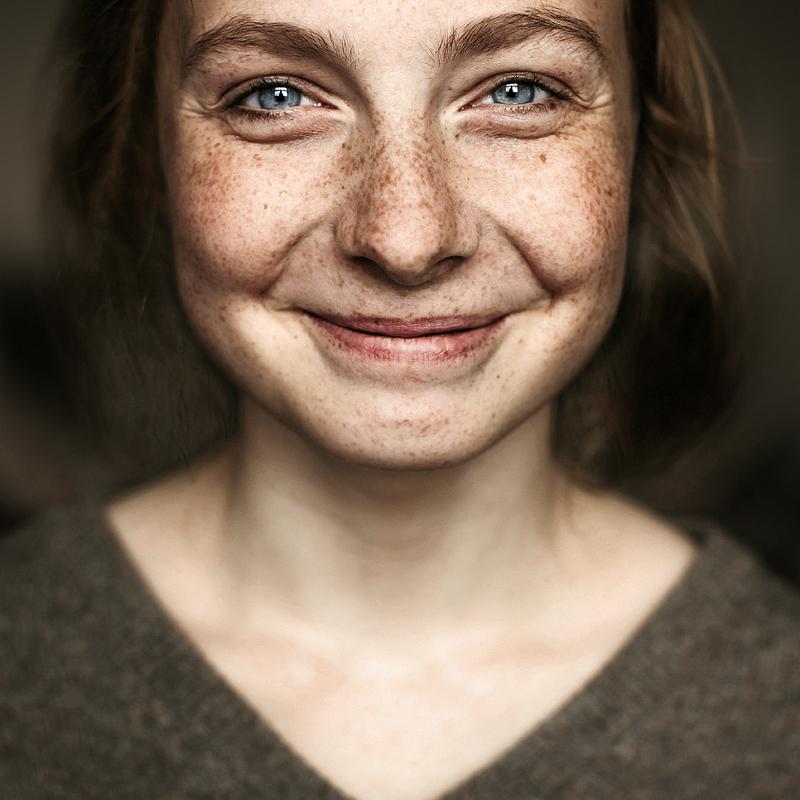 Портрет девушки. Фото Ефима Шевченко
