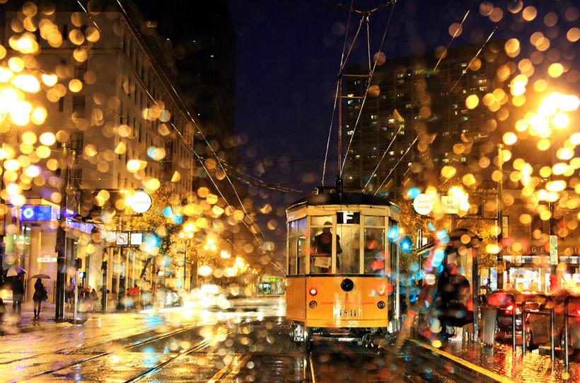 Дождь в Стамбуле. Фото: Burak Arik