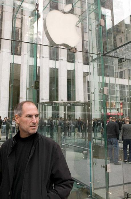 Открытие магазина Apple Store на Пятой авеню в Нью-Йорке, 2006 год