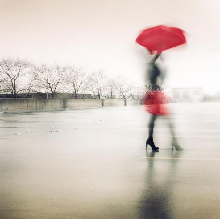 Девушка под зонтом. Фото: Tatiana Avdjiev