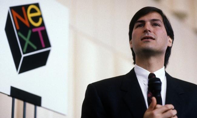 После ухода из Apple в 1986 году Стив Джобс перешел работать в компанию NeXT, Inc.