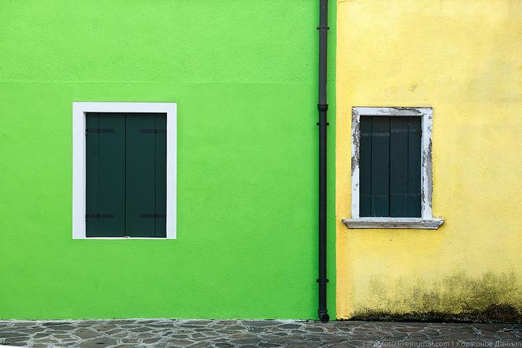 Яркие дома Бурано. Фото Даниила Коржонова