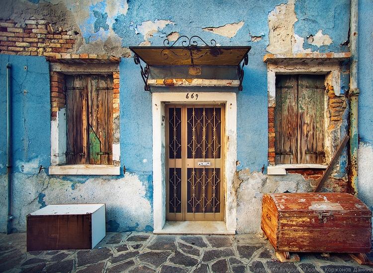 Красивые дворики Бурано. Фото Даниила Коржонова