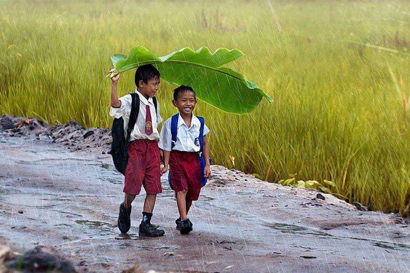 Под дождем. Фото: Kendisan Seruyan