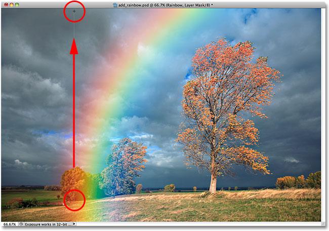 Растягиваем градиент от черного к белому от основания радуги до верхней границы кадра