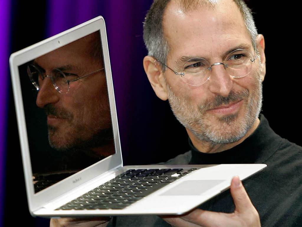Презентация Macbook Air на конференции в Сан-Франциско, 2007 год. К тому времени общественность уже знала о болезни Джобса