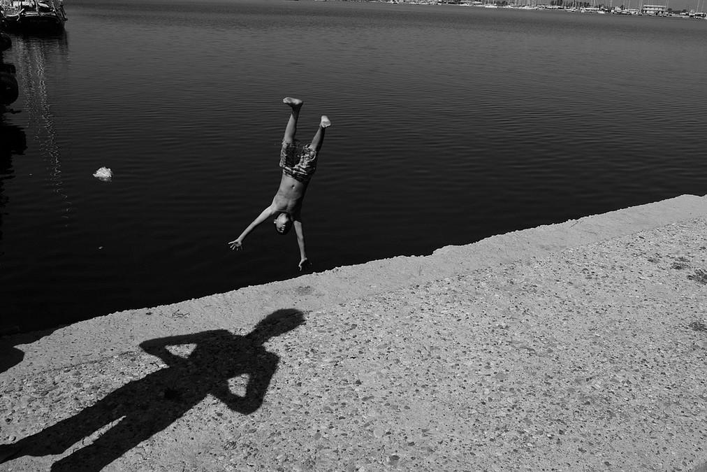 Лето, купание в реке. Фото: Maria Spyropoulou