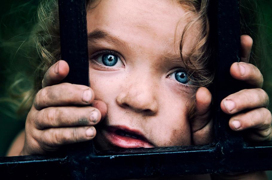 Голубоглазая девочка. Фото: Petros Petropoulos