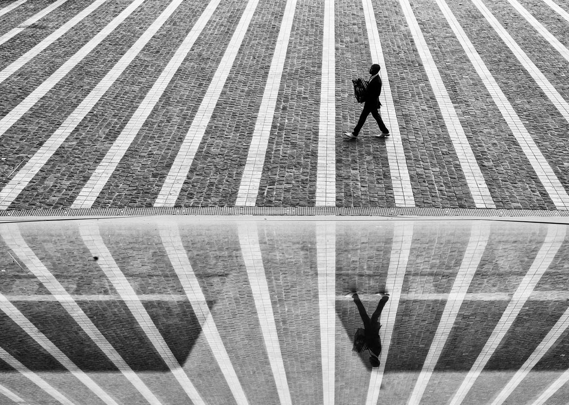 Отражение и геометрия уличной фотографии. Georgie Pauwels