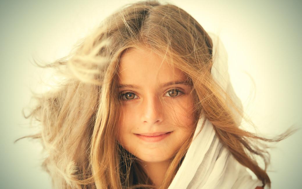 Портрет девочки. Фото: Javi Inchusta
