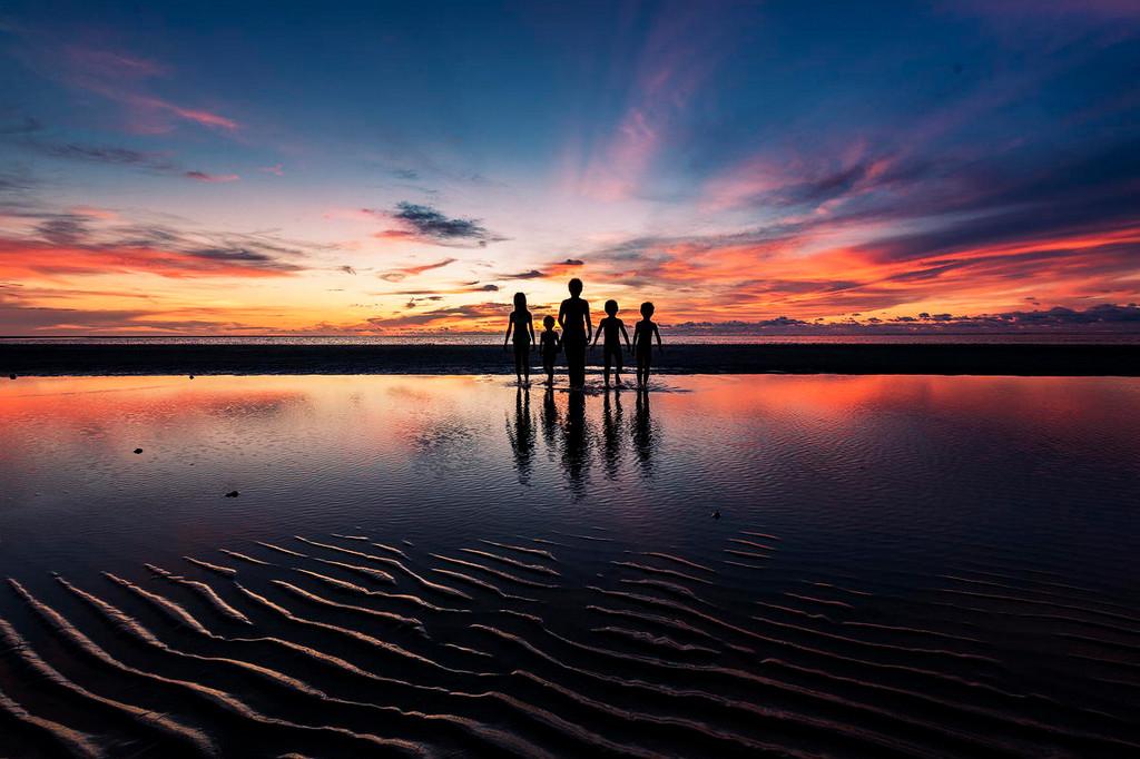 Дети на море. Фото: Esmar Abdul