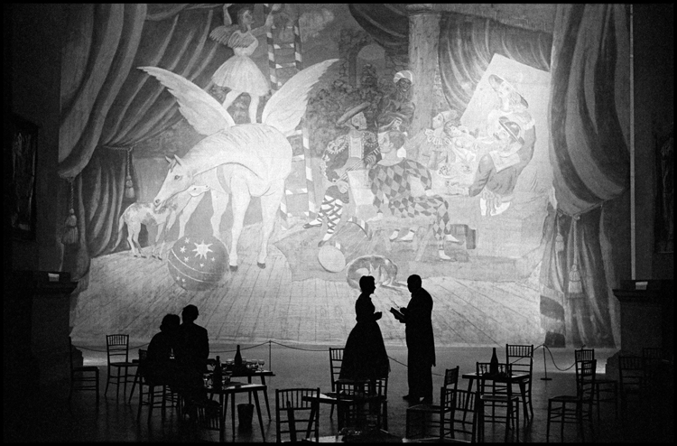 Лондон, Англия. 1960 г. Открытие выставки Пикассо в «Tate Gallery». Фото: Берт Глинн