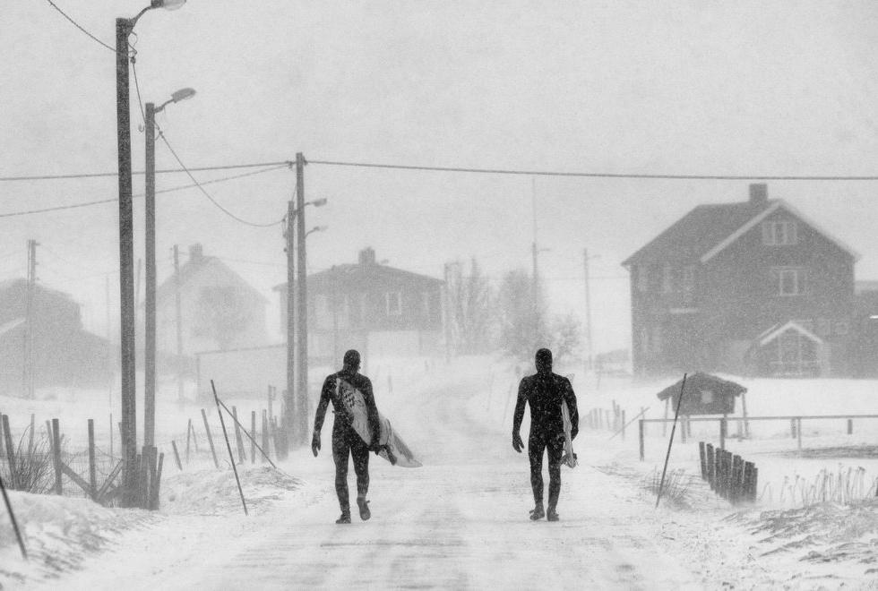 Фотограф: Chris Burkard. Спортсмены Keith Malloy, Dane Gudauskas. Лофотенские острова, Норвегия