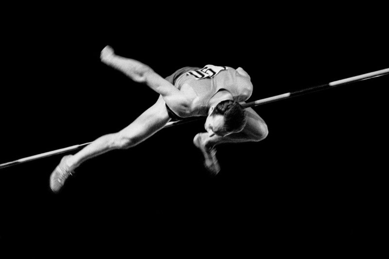 Рекордный прыжок Валерия Брумеля. 1963 год. Фото: Александр Птицын