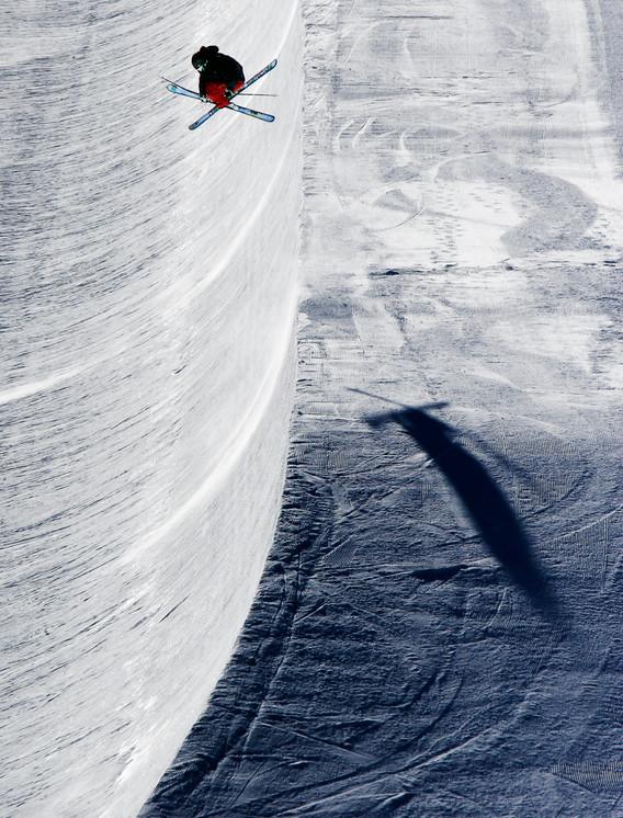 Зимний экстрим. Фото: Tristan Shu