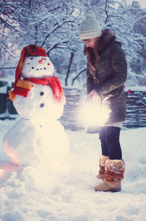 Лепим снеговика.  Фото: Daria Beldinskaya