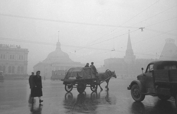 Утро на площади трёх вокзалов, 1957