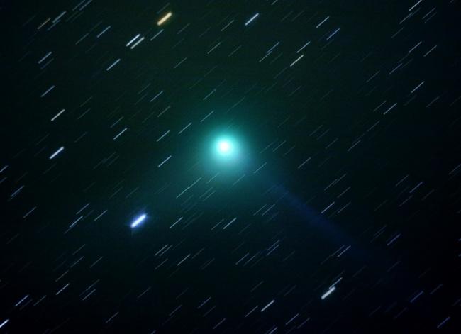 Рекомендация жюри: «Комета Гаррадда C/2009 R1». (Graham Relf/Astronomy Photographer of the Year)