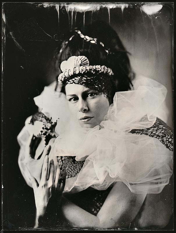 Женский портрет. Амбротипия. Фото: Андрей Шерстюк