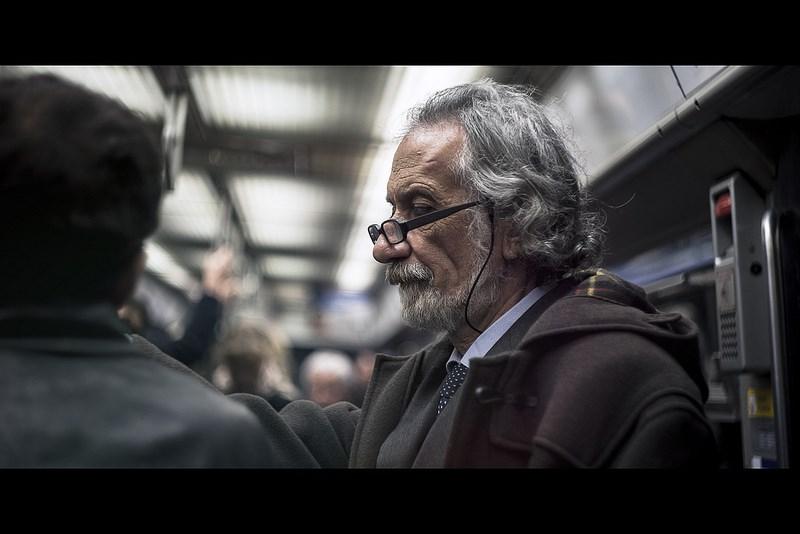 Фото на Гелиос, Fabien Petit. Портрет мужчины в метро