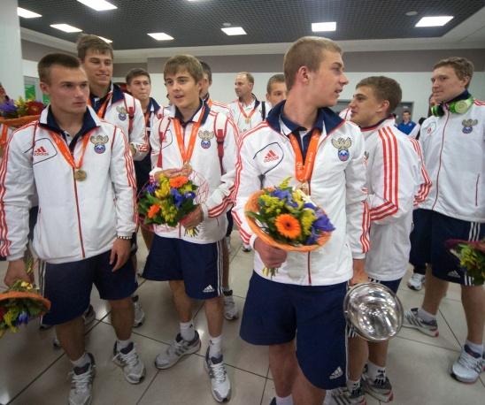 Прибытие юношеской сборной России по футболу, ставшей чемпионом Европы, в Москву. Фото: ИТАР-ТАСС/ Антон Стеков
