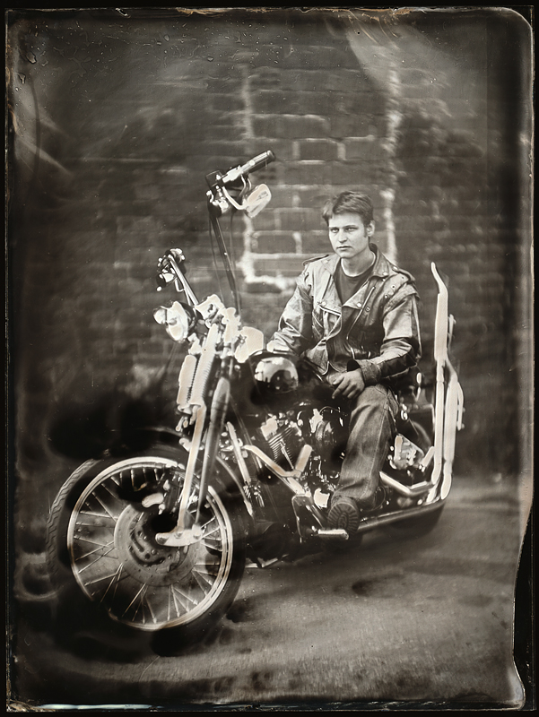 Мотоцикл. Амбротипия. Фото: Андрей Шерстюк