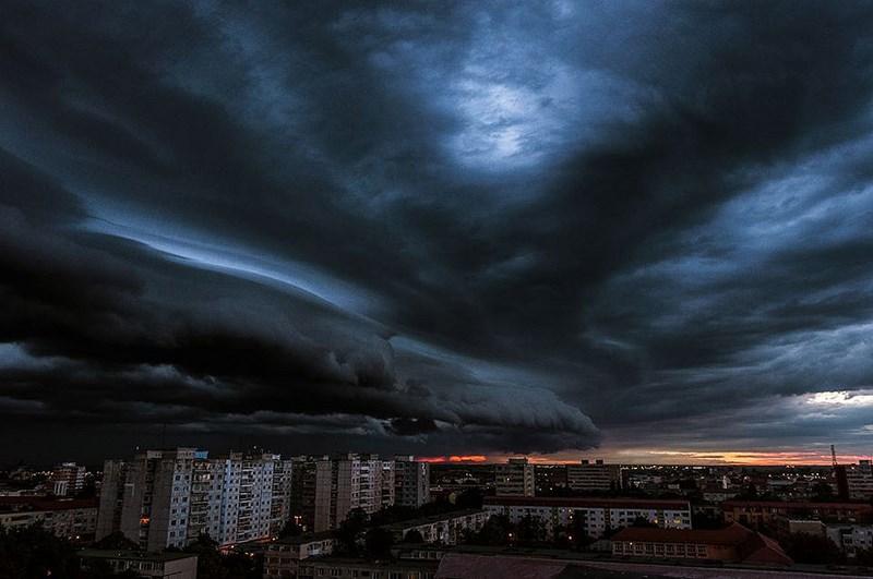Надвигающаяся буря в Румынии.