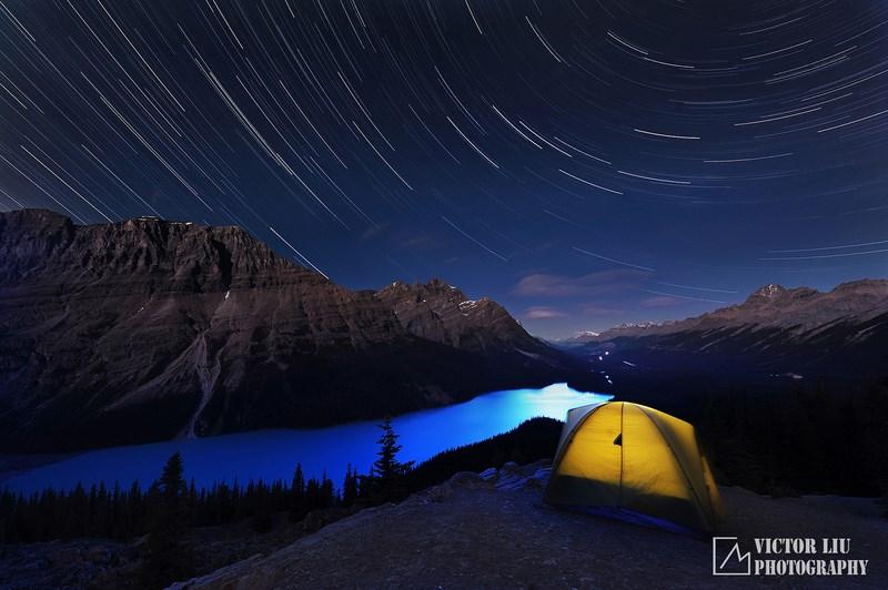 Звездный пейзаж и палатка