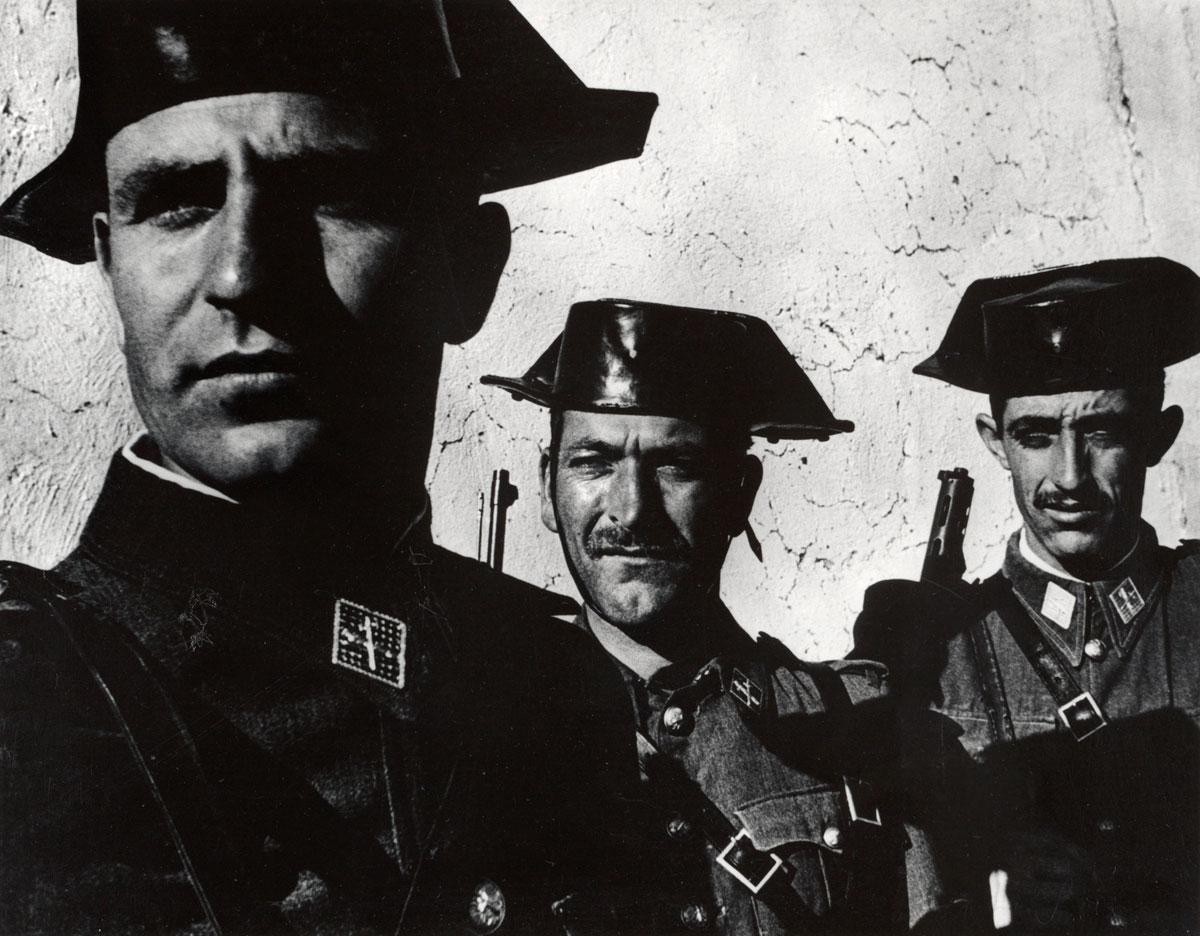 Солдаты. Фото Юджина Смита