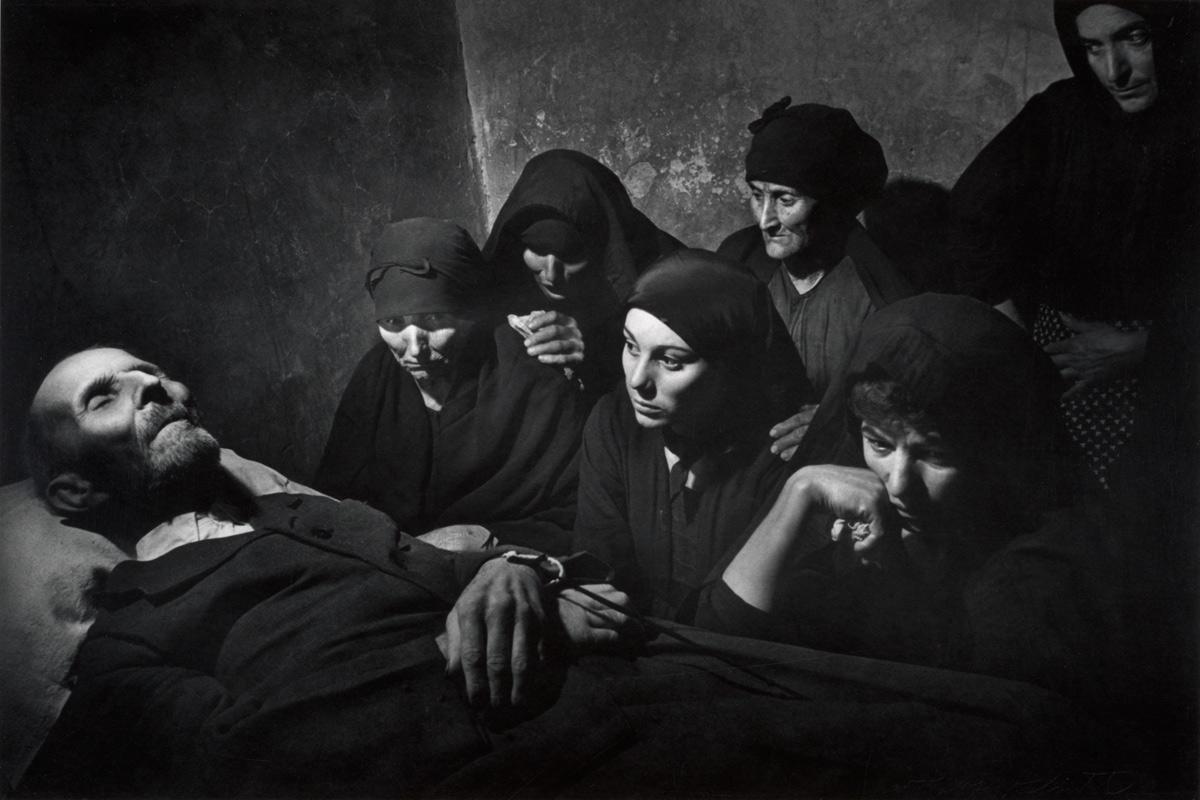 Похороны. Фото Юджина Смита