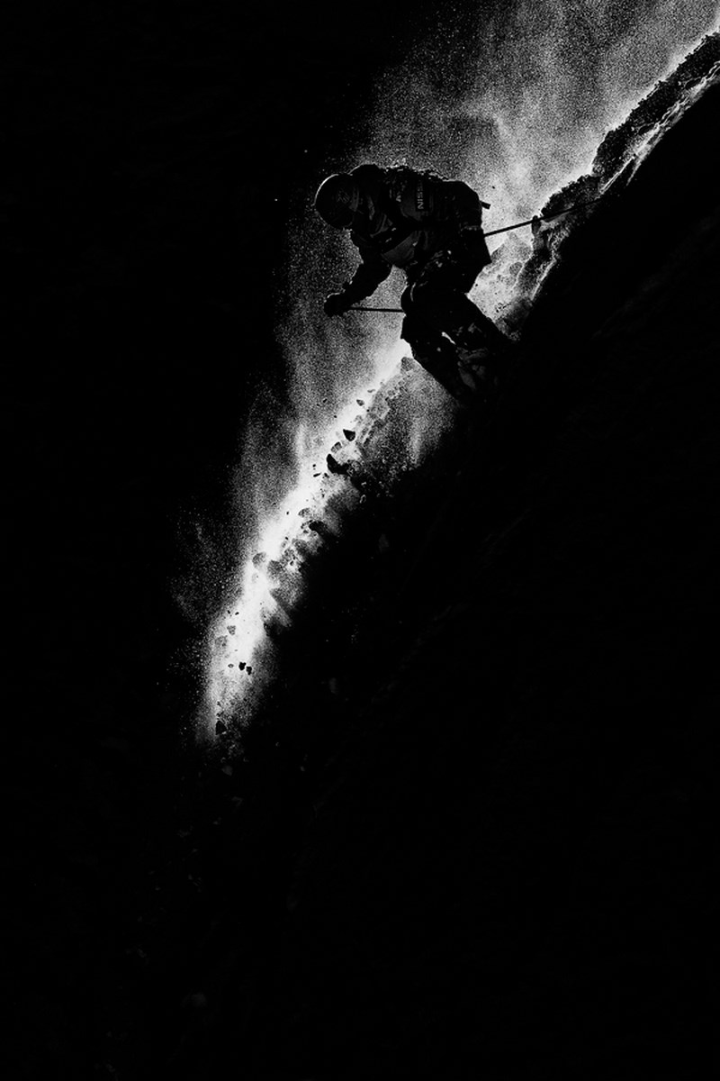 Сноубордист. Фото Кирилла Умрихина. Кадр с соревнований Freeride World Tour в Красной поляне