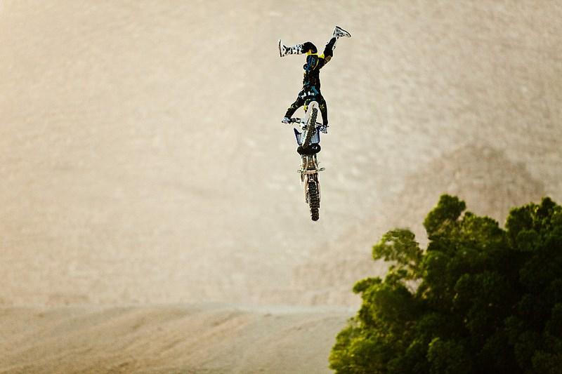 Мотоциклист, соревнования Red Bull X-Fighters в Каире, Египет. Фото Кирилла Умрихина