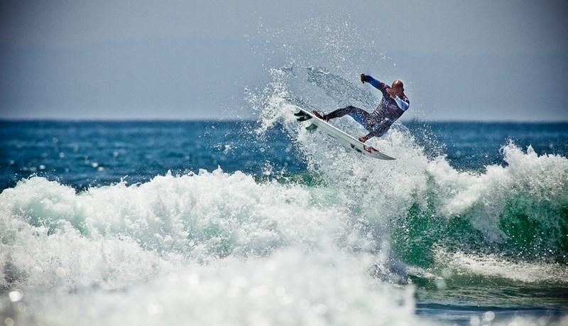 Серфинг. Фото Кирилла Умрихина. На фото Келли Слейтер, Калифорния