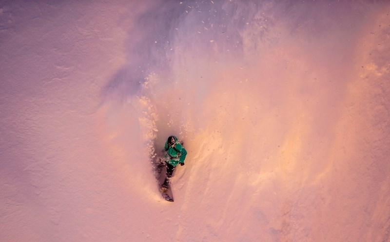 Сноубординг. Фото Кирилла Умрихина. На фото Артем Шелдовицкий, Красная Поляна