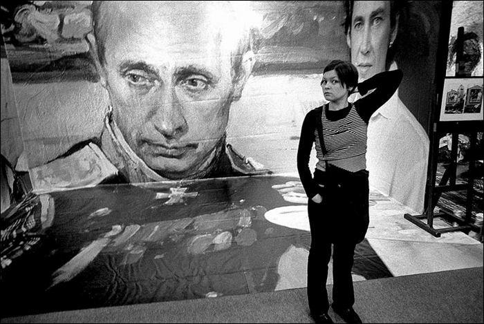 Плакат с портретом Путина. Фото - Вадим Савраев