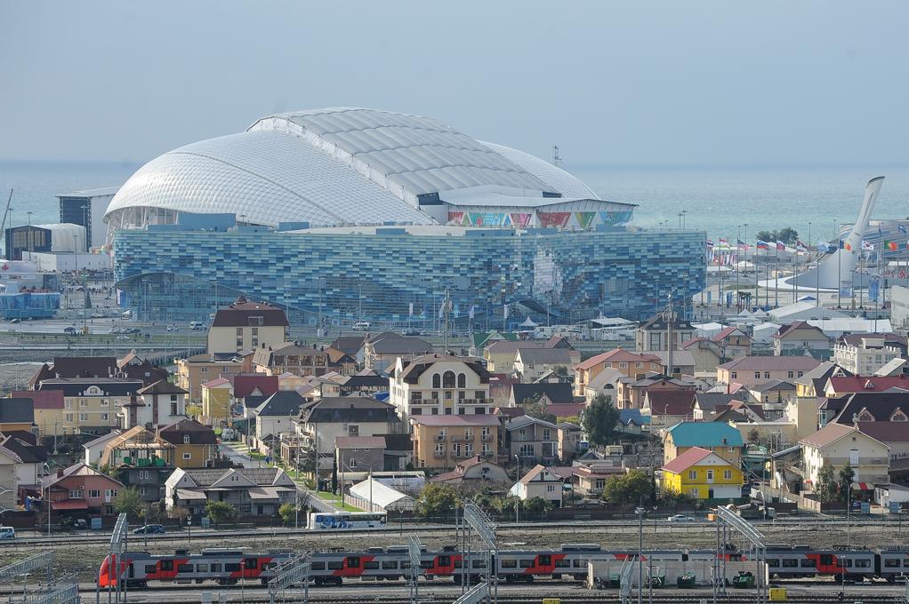 Вид на олимпийские объекты в Соч. фото: Нина Зотина/ РИА Новости